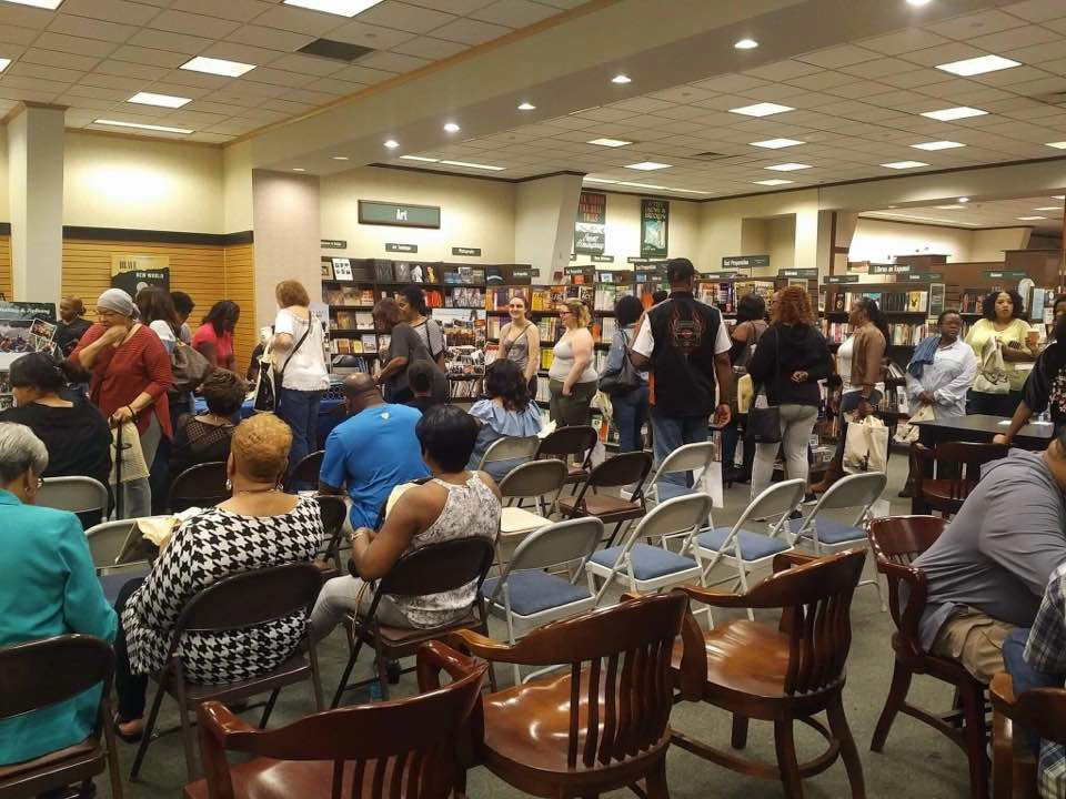 Sheri Hunter, speaking at Barnes and Noble