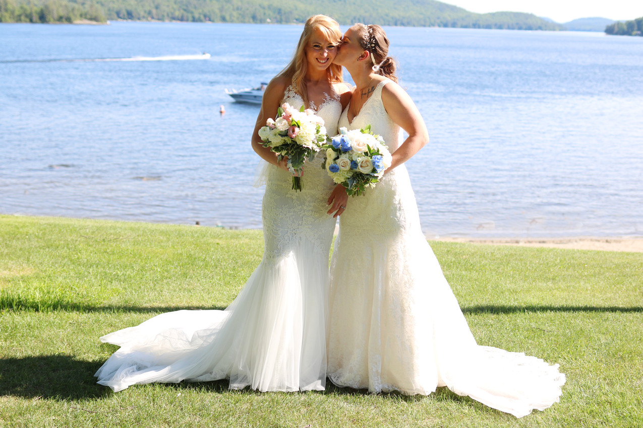 Kayla & Chelsea (154)