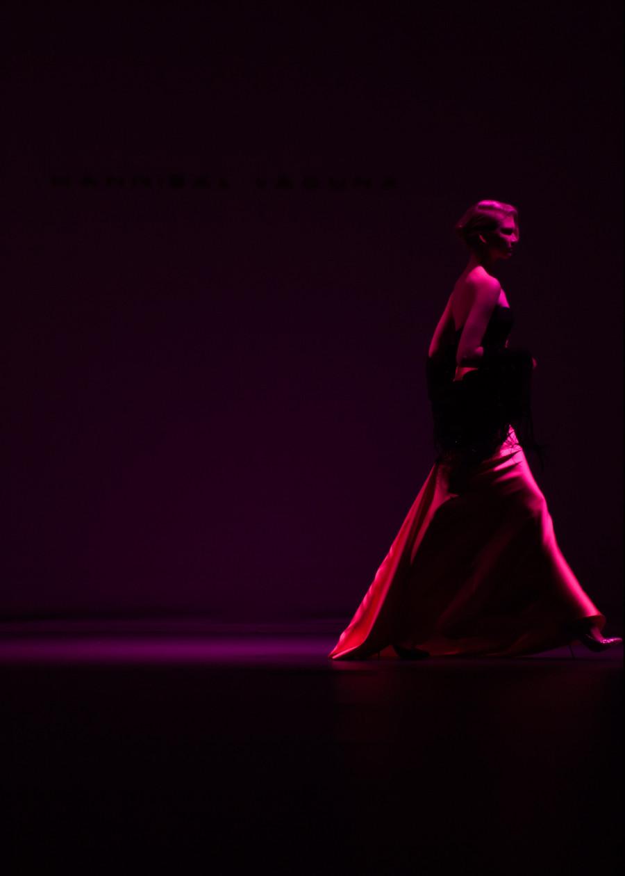 cierre de Colección Otoño- Invierno 2015 de Hannibal Laguna, presentada en la Mercedes Benz Fashion Week Madrid. fotografía por Carlos Aranguren