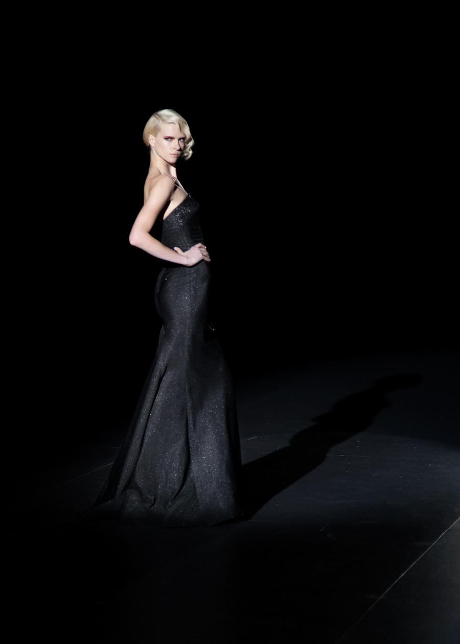 Elegancia absoluta en la Colección Otoño- Invierno 2015 de Hannibal Laguna, presentada en la Mercedes Benz Fashion Week Madrid. fotografía por Carlos Aranguren