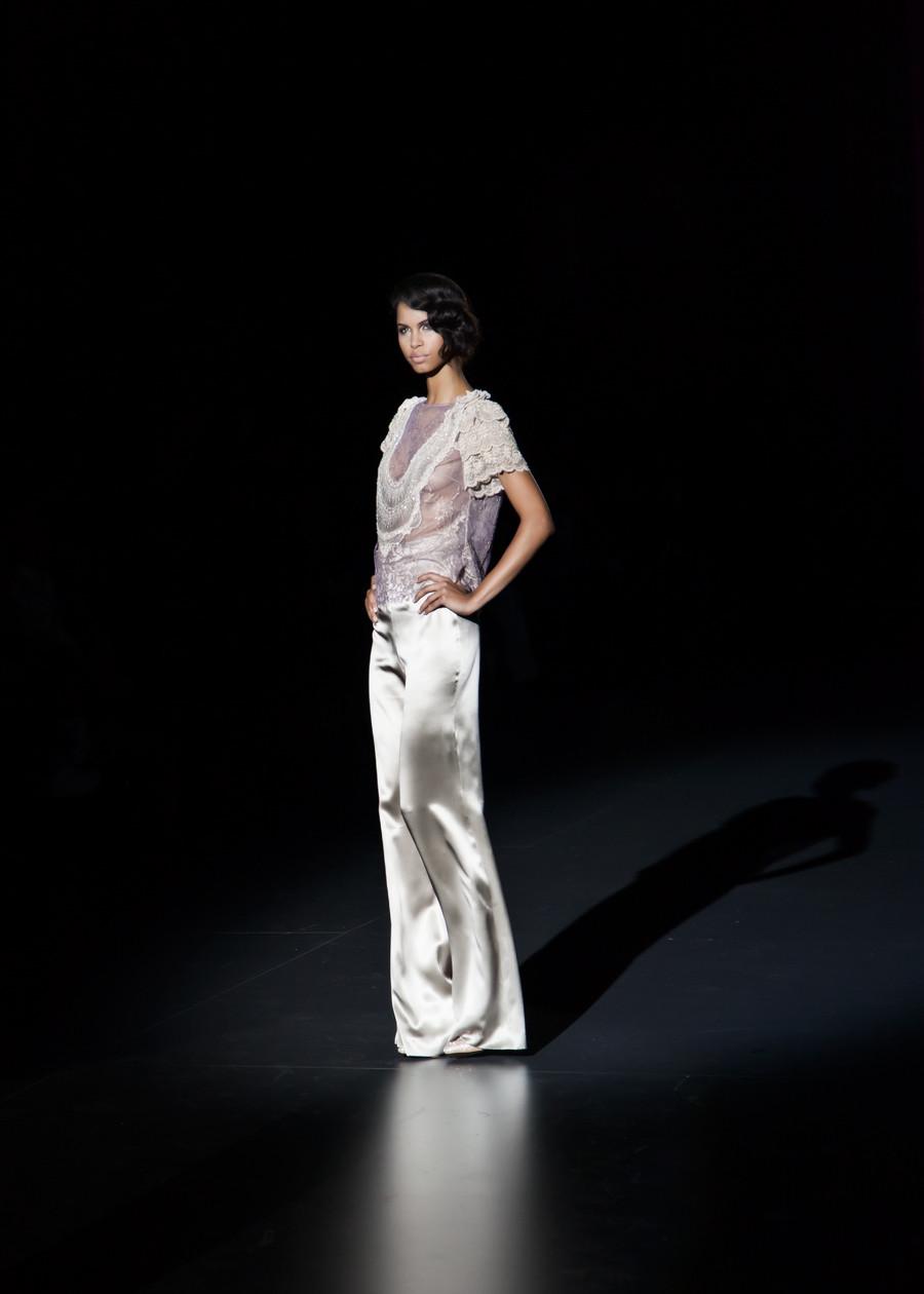 Daiane Sodre modelo en la Colección Otoño- Invierno 2015 de Hannibal Laguna, presentada en la Mercedes Benz Fashion Week Madrid. fotografía por Carlos Aranguren