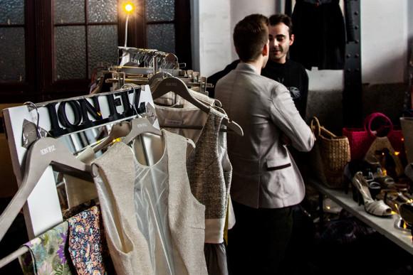 Entrevista a Ion Fiz en el Mercado de Motores. Foto por Carlos Aranguren
