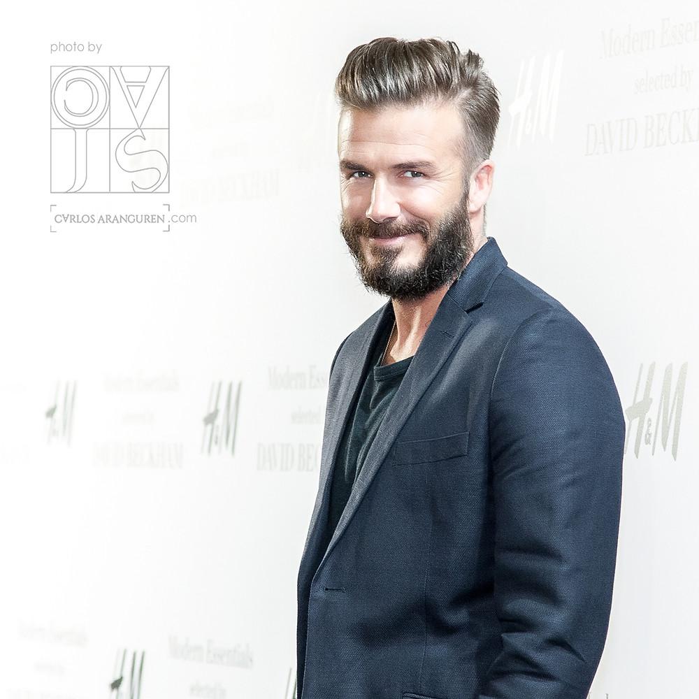 David Beckham con barba, presentando su colección Modern Essentials para H&M en Madrid. Fotografías por Carlos Aranguren