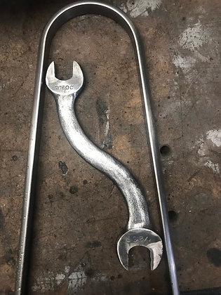 Monkey Wrench SISSY BAR