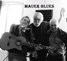 Mauer blues trio
