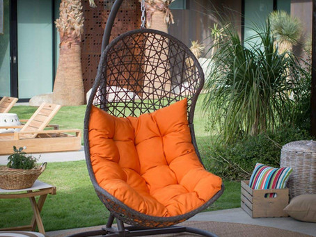Great Benefits of Using the Outdoor Porch Swing chairs