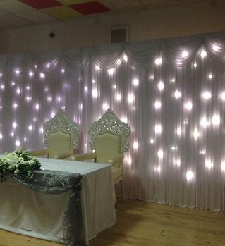 Top table decor with bride & groom thron