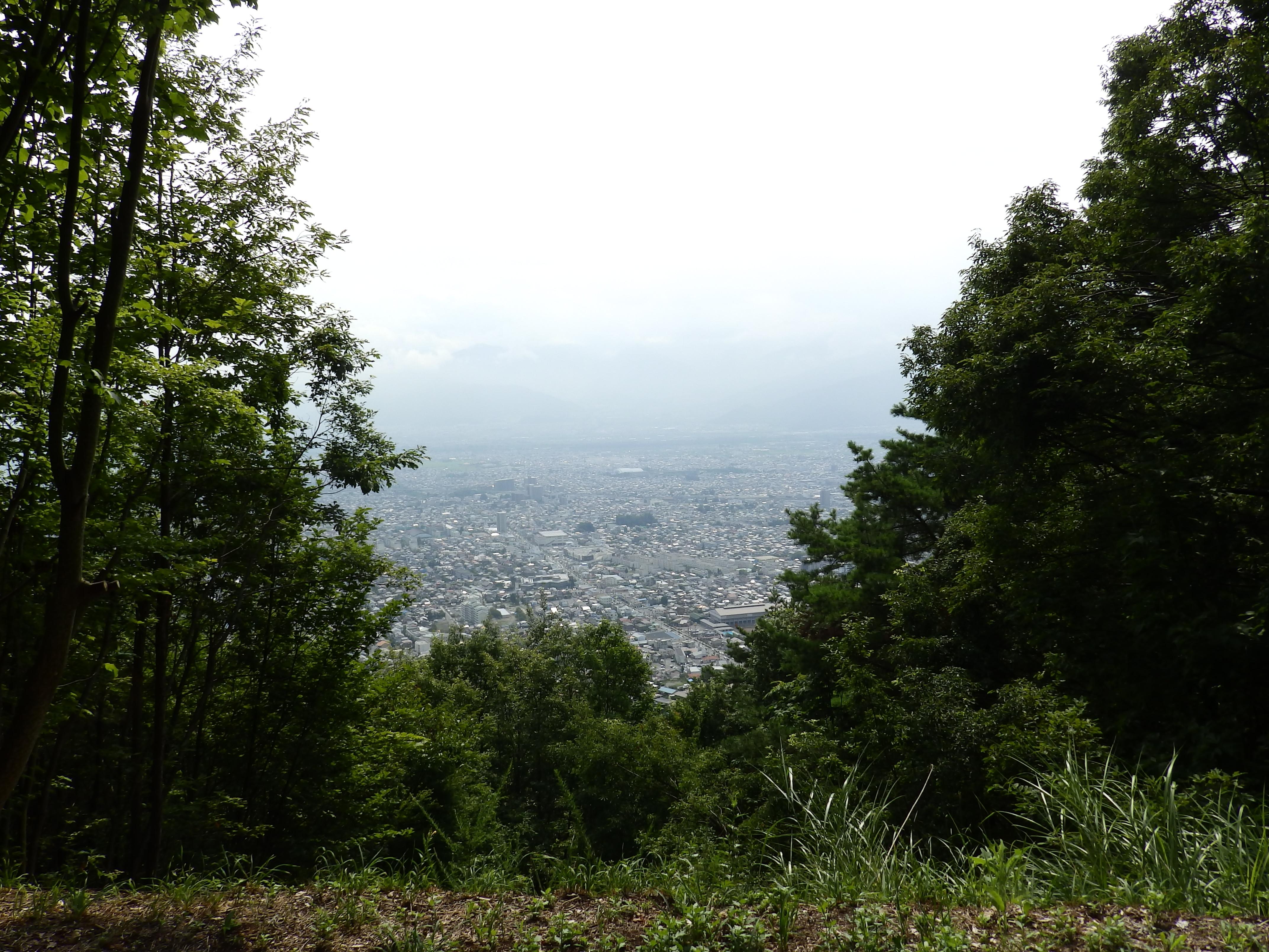 地附山トレッキングコースの展望です。