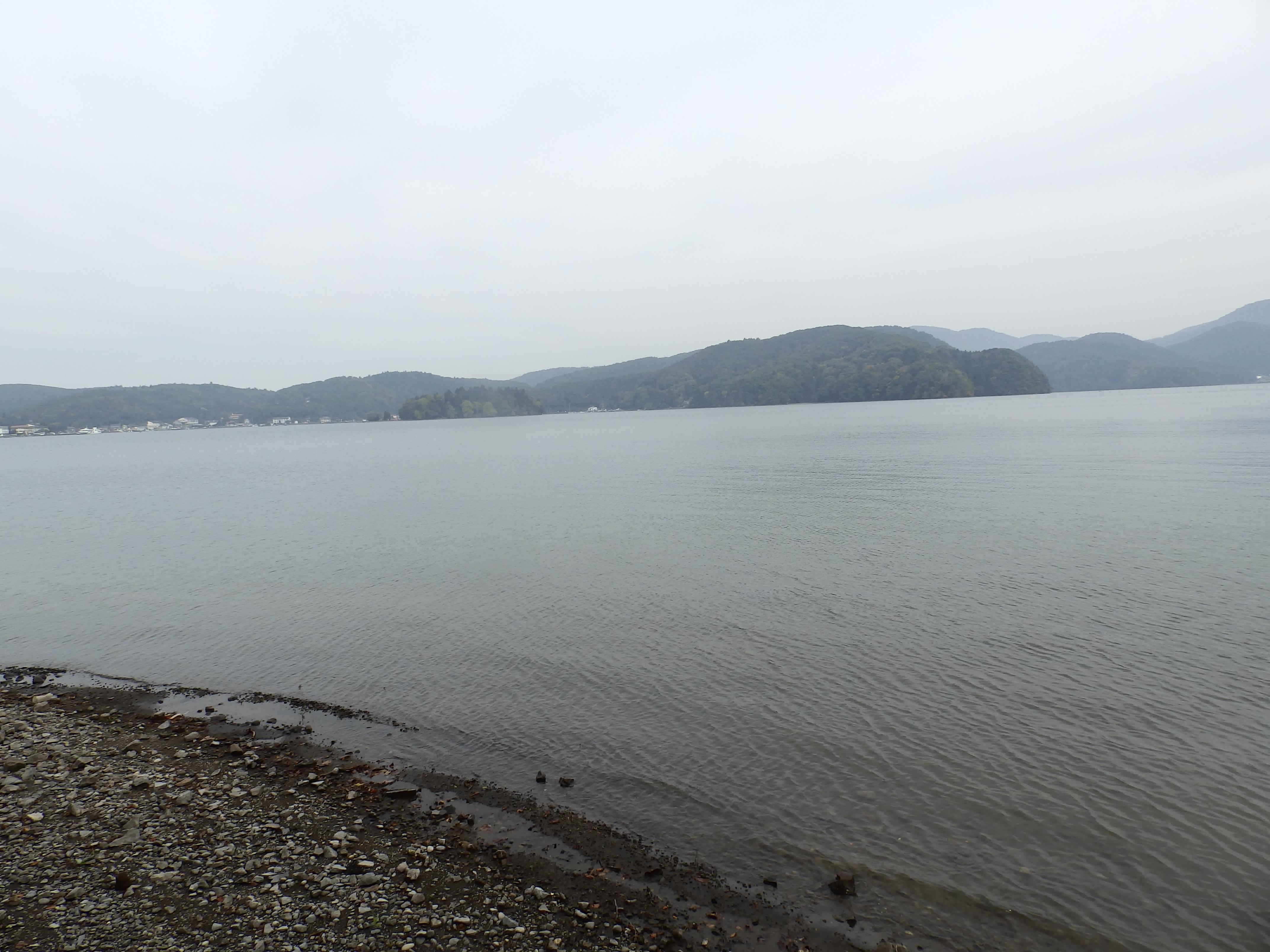 野尻湖東側です。
