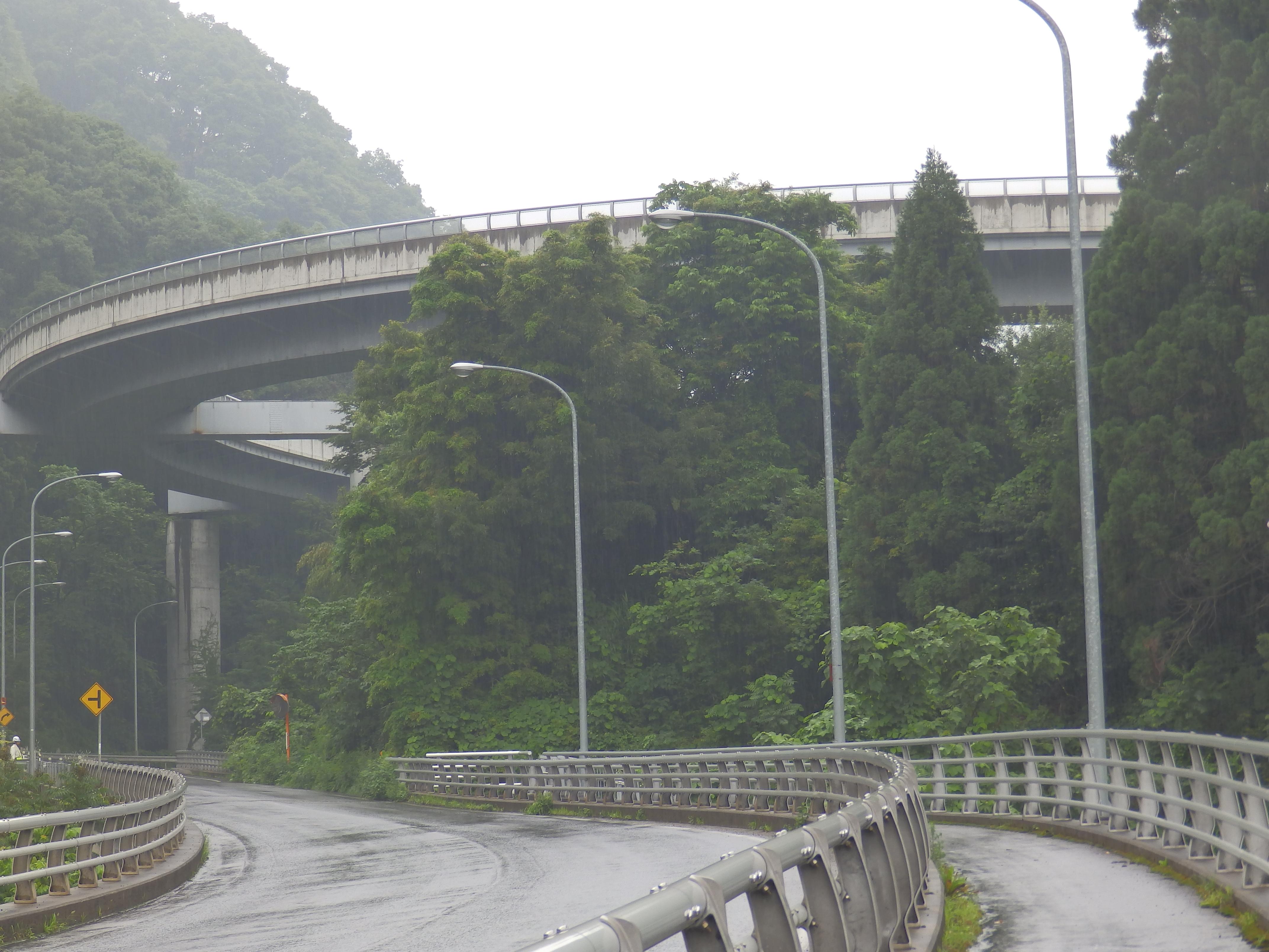 善光寺ループ橋です。