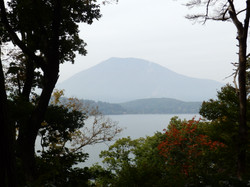 野尻湖北側からの黒姫山です。