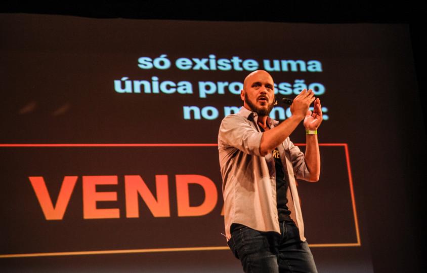 Diego-Maia-o-palestrante-de-vendas-mais-