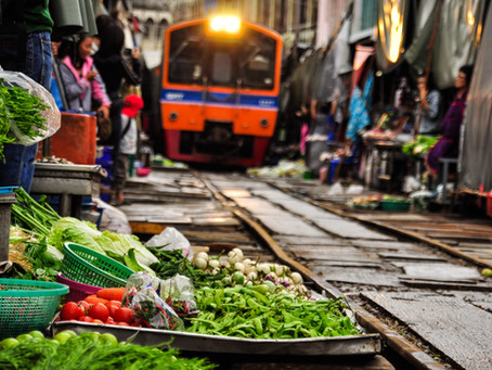 Maeklong Railway Market: One of the top bucket list you shouldn't miss in Bangkok