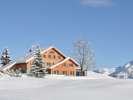For Better Returns, Invest in Real Estate During the Winter