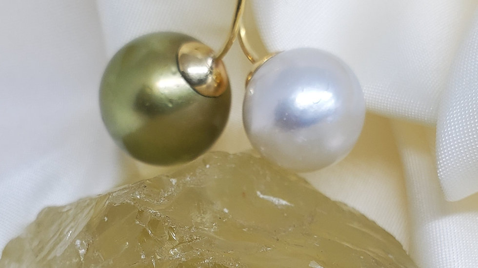 Cherry Pendant Silvery White & Pistachio Green