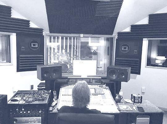 studio_shot_edited.jpg