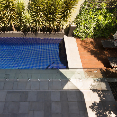 Simple swimming pool solution