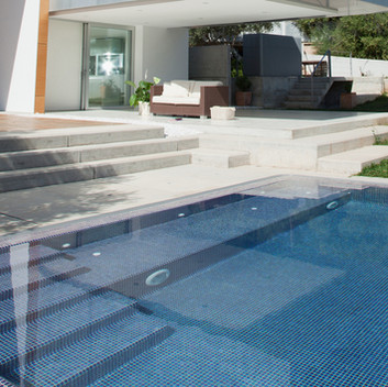 Full Tiled Luxury Pool