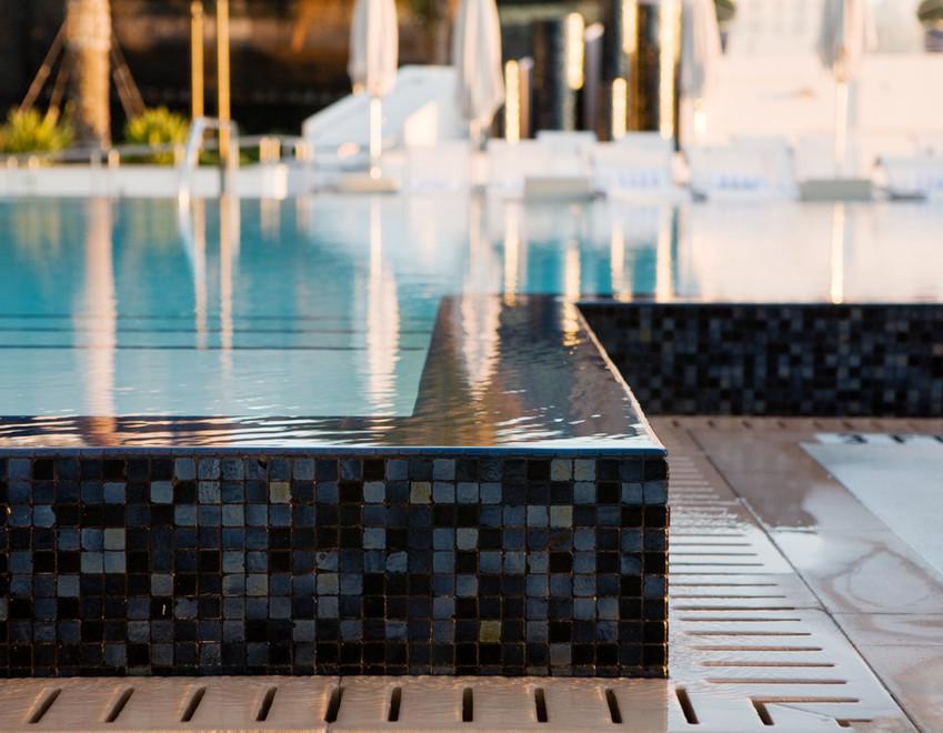 Swimming Pool Infinity Edge