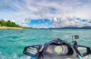 A jetskiing adventure to Daydream Island