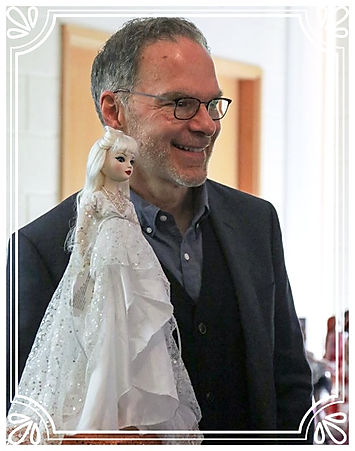 Robert Tonner unveiling Ellowyne Wilde Convention Doll