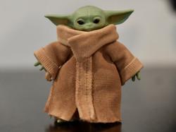 Custom Figure - Deluxe Baby Yoda