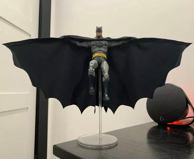 XL Wired Cape in Dark Blue - McFarlane Comic Batman