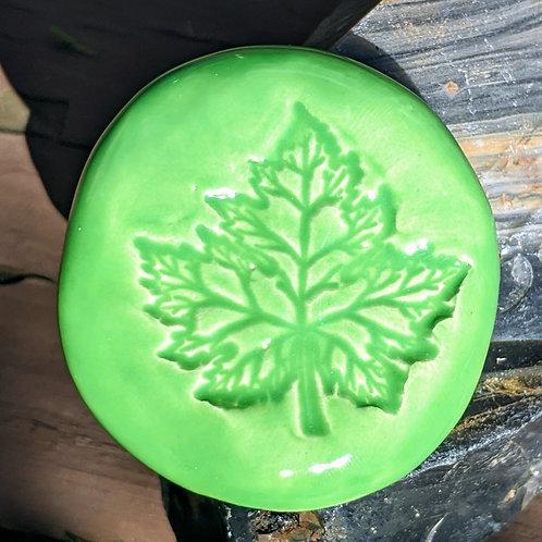 MAPLE LEAF Pocket Stone - Apple Green