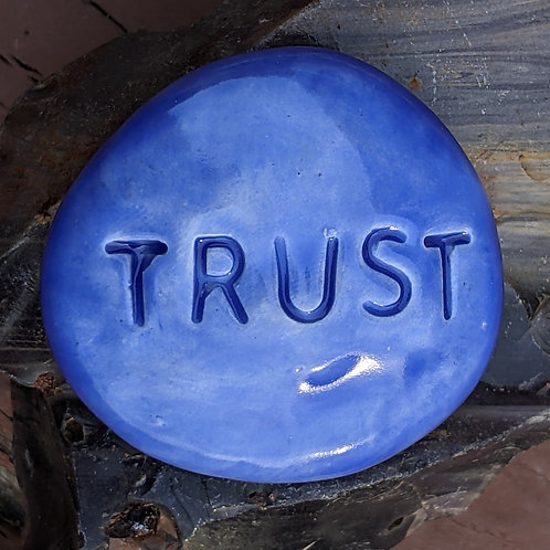 TRUST Pocket Stone - Vivid Blue