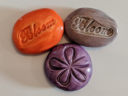 BLOOM - Lot of 3 Pocket Stones