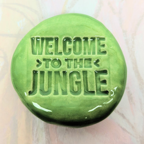 WELCOME TO THE JUNGLE Pocket Stone - Leaf Green