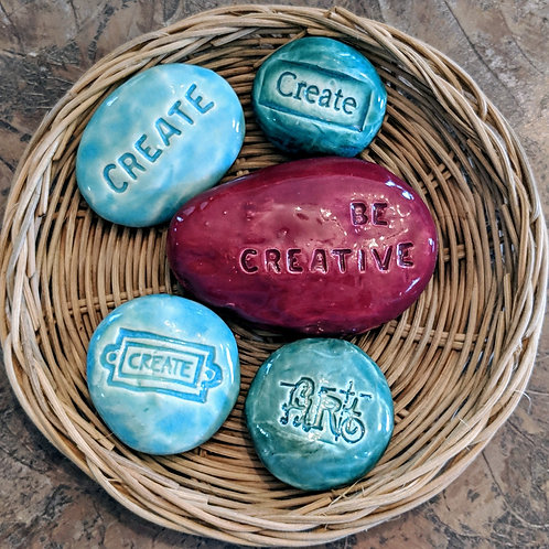 BE CREATIVE Pocket Stones - Lot of 5 in a Basket