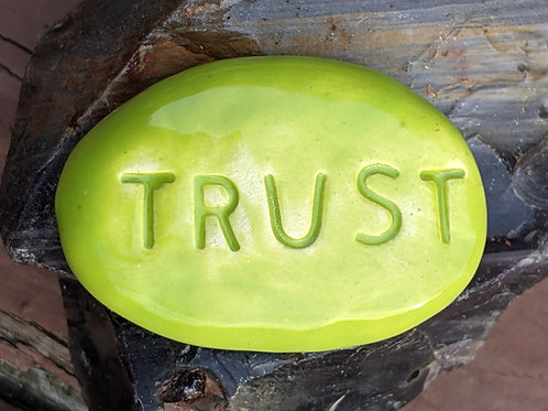 TRUST Pocket Stone - Granny Smith Green