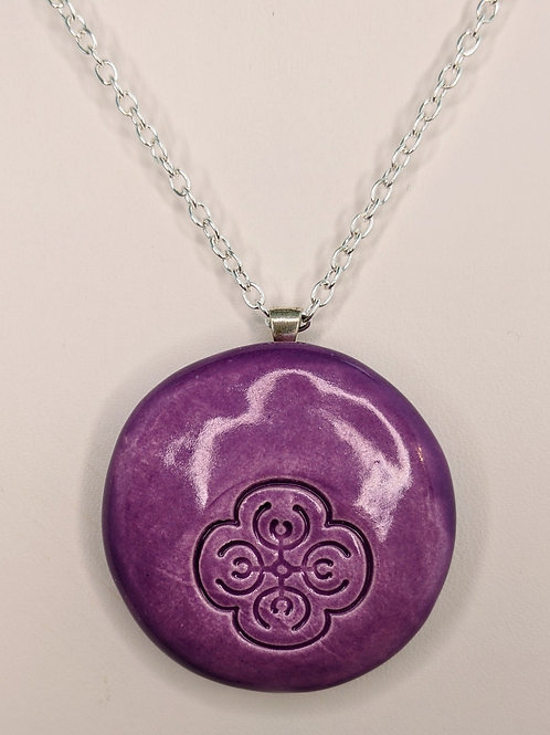 FLOWER DESIGN Pendant/Necklace - Amethyst Purple