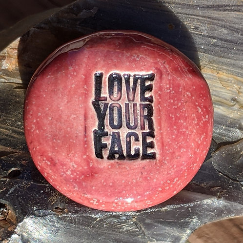 LOVE YOUR FACE Pocket Stone - Sirocco Red