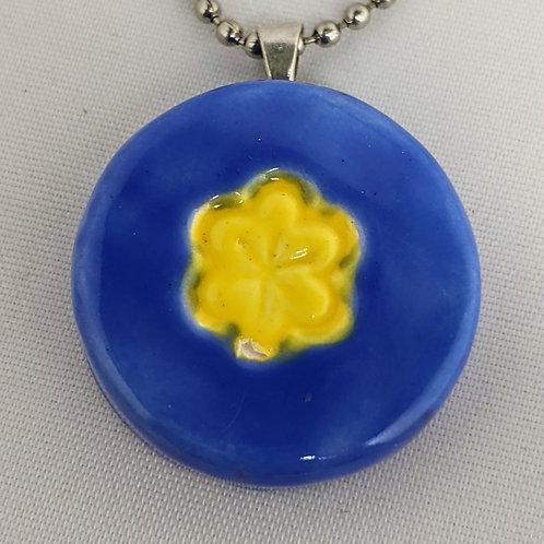FLOWER DESIGN Pendant / Necklace - Yellow