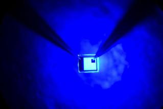 Le prix Nobel de physique attribué aux inventeurs de la LED bleue