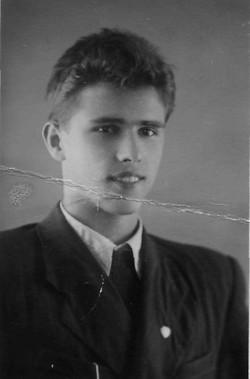 Саша Пухов 1957.09.01 МАИ козерог