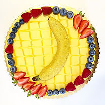 mango raw cake with banana (made of raw