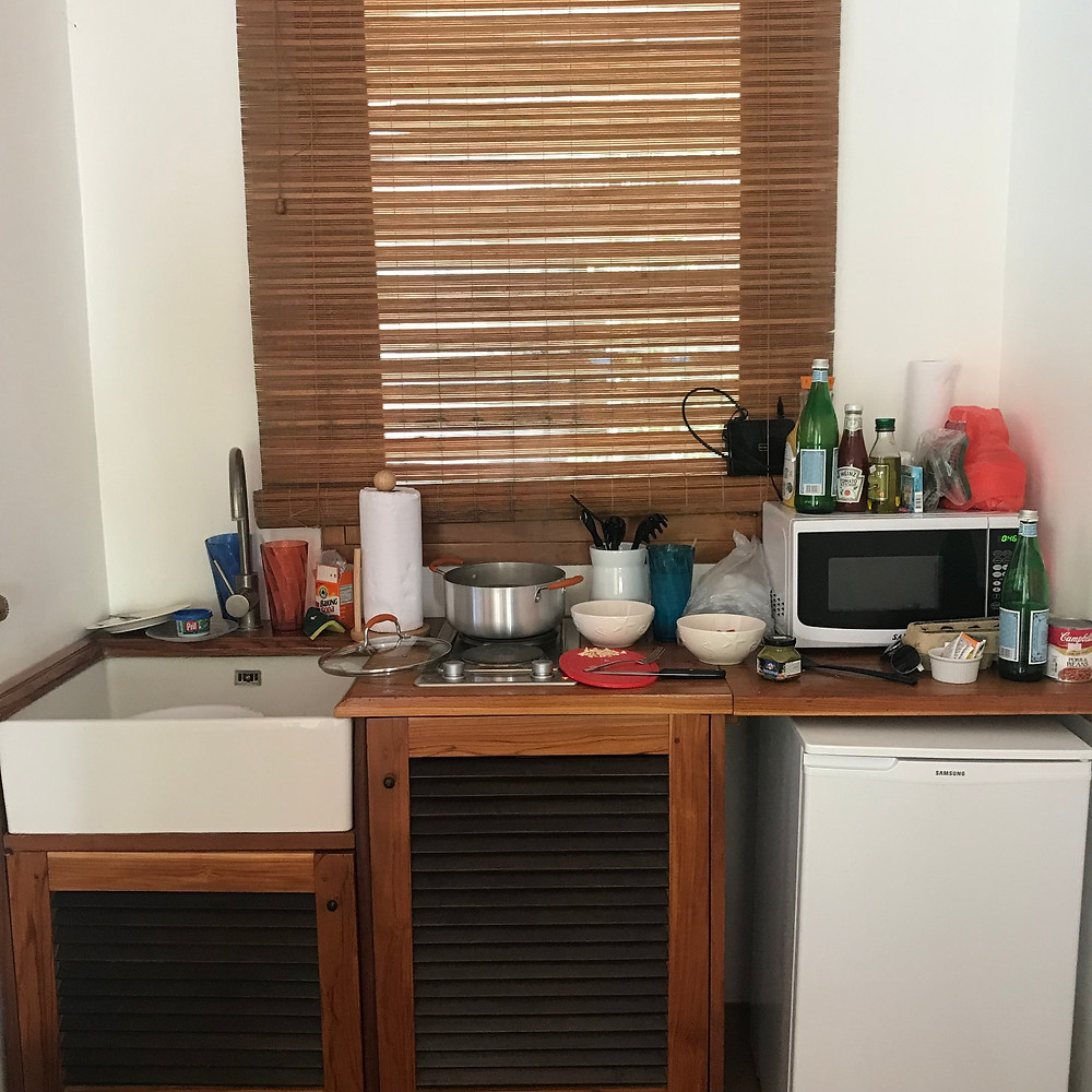 Skromná mini kuchynka
