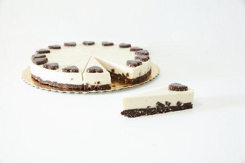Vanilková torta so skrytým čokoládovým brownie