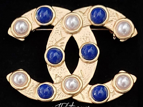 That Blue & White Brooch