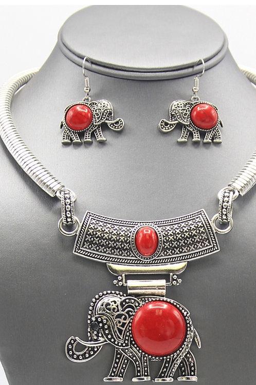 Trunks Up Necklace Set