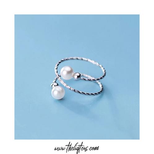 Pretty Pearlie Ring