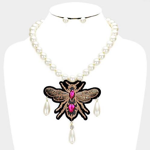 Queen Bee Pearl Choker