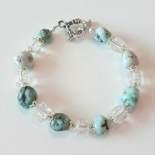 Larimar Helps Balances Water Fire Energy It Is A Ful Throat Chakra Stone This Cleanses Unhealthy Emotional Blocks Which Relieves Depression