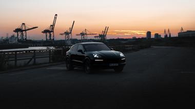 Porsche_Cayenne_Turbo_Coupé_(1_von_2).jp