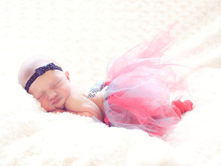 Lake Elsinore in Home Newborn Session | Abby Lane