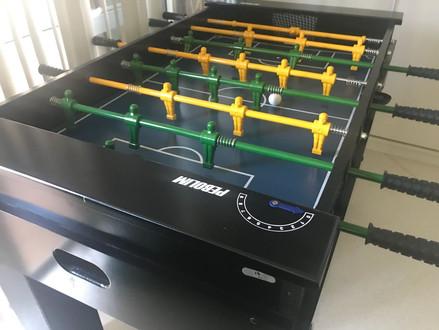 Aquisição de mesas de pebolim e de ping-pong