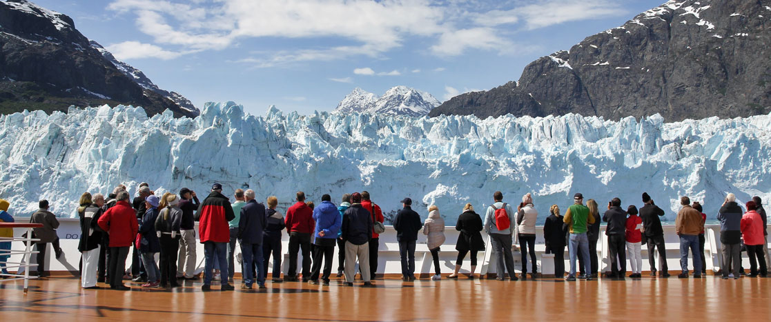 glacier watching in Alaska